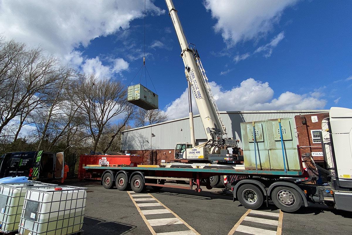 Crane lifting chiller unit